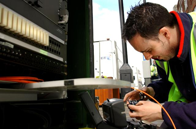 UK government sets new target for superfast broadband rollout
