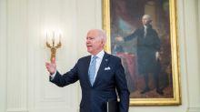 Se multiplican voces que piden a Biden revertir orden de remociones expeditas