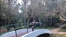 Ex-BBB Roberta paga promessa depois de dizer que pularia da ponte se Emilly ganhasse muitos seguidores