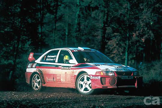 參與WRC賽事使得LANCER車系一砲而紅,想當年EVO牽動了多少熱血的速度夢。