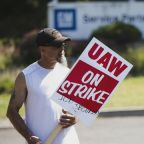 GM workers on strike set to vote on new labor deal