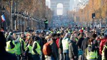 À Paris, gilets jaunes et ivresse révolutionnaire
