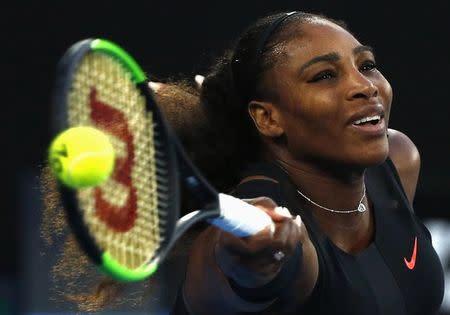La tenista estadounidense Serena Williams en su encuentro frente a su hermana Venus en la final del Abierto de Australia en Melbourne