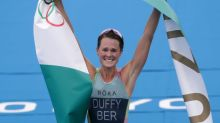 Oympics-Triathlon-Duffy storms home to win famous gold for Bermuda