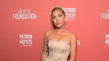 Irreconocible Lady Gaga habla de dificultades mentales