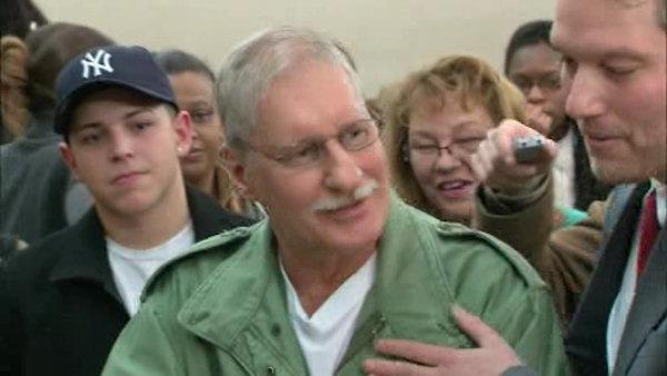 Man convicted of rabbi murder goes free
