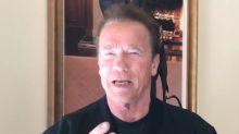 """Arnold Schwarzenegger, al despertar de su cirugía de corazón: """"He vuelto"""""""