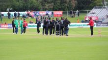 New Zealand thrashed Ireland by 190 runs in tri-nation series
