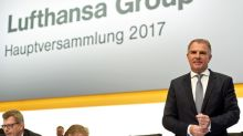 Lufthansa extends contract of CEO Carsten Spohr