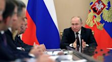 Russia's entire cabinet resigned en masse in a plan that would help Putin keep power indefinitely. Here's everything we know.