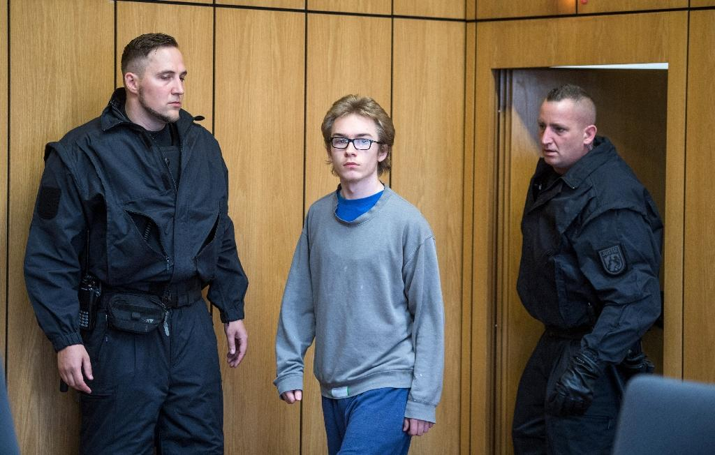 German, 19, on trial for 'darknet' knife murders