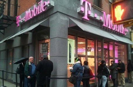 iPhone boosts growth for T-Mobile