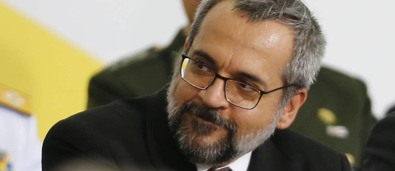Possibilidade de Weintraub responder criminalmente por falas agressivas ao STF acende alerta no Planalto