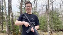 Chi è Kyle Rittenhouse, il 17enne che ha ucciso due persone negli scontri del caso Blake
