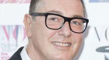 """Créateur chez Dolce & Gabbana, il qualifie Selena Gomez de """"moche"""" et enfonce le clou en se moquant de la réaction de ses fans"""
