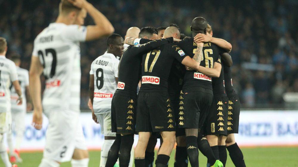 Napoli-Udinese 3-0: Assalto al secondo posto, Roma a +2