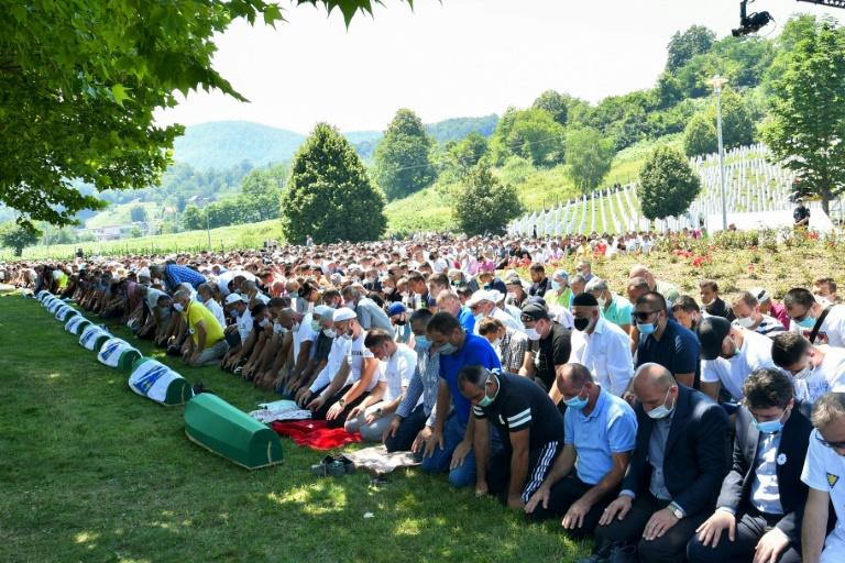 Bosnian Muslims marked the 25th anniversary of the massacre of Srebrenica (AFP Photo/ELVIS BARUKCIC)