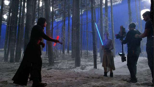 'Star Wars: Episode VII - The Force Awakens' Exclusive Blu-Ray clip: Scavenger Lightsaber