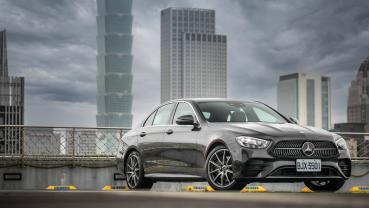 豪華新解,Mercedes-Benz E300 運動版用科技拼勝負