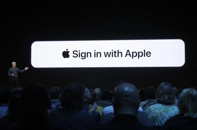 Experts weigh in on Apple's private sign-in feature