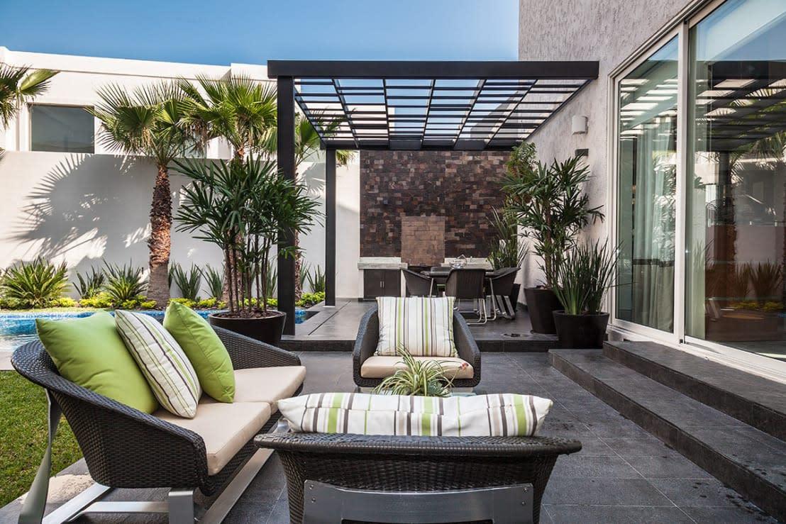 Stunning terrazza arredata ideas idee arredamento casa for Terrazza arredata