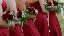 Mulher ameaça não ir ao casamento da irmã por causa de um vestido