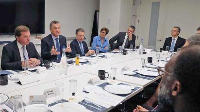 """Las reuniones de Macri con inversores: ejecutivos """"top"""", reserva y mesas chicas"""