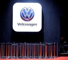 Greenpeace boards ship in bid to halt delivery of UK-bound VW diesel cars
