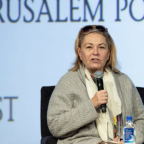 Roseanne Barr goes off on Rep. Alexandria Ocasio-Cortez in name-calling video