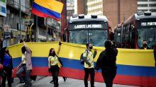 Comerciantes protestam contra medidas de confinamento na capital da Colômbia
