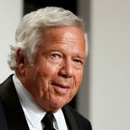 Report: Kraft's team seeks to suppress evidence