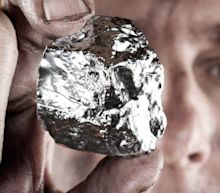 How Should Investors React To Silver Mines' (ASX:SVL) CEO Pay?