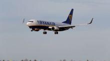 Ryanair backs mediator's pay plan for Irish pilots