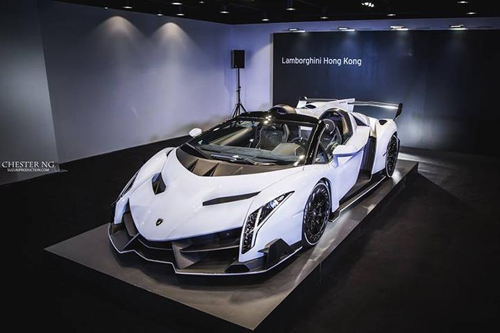 White Lamborghini Veneno Roadster Is A Devil In A New Dress