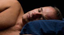 Descubre los beneficios de dormir desnudo
