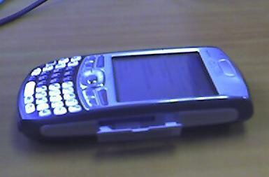More shots of a Treo sans antenna