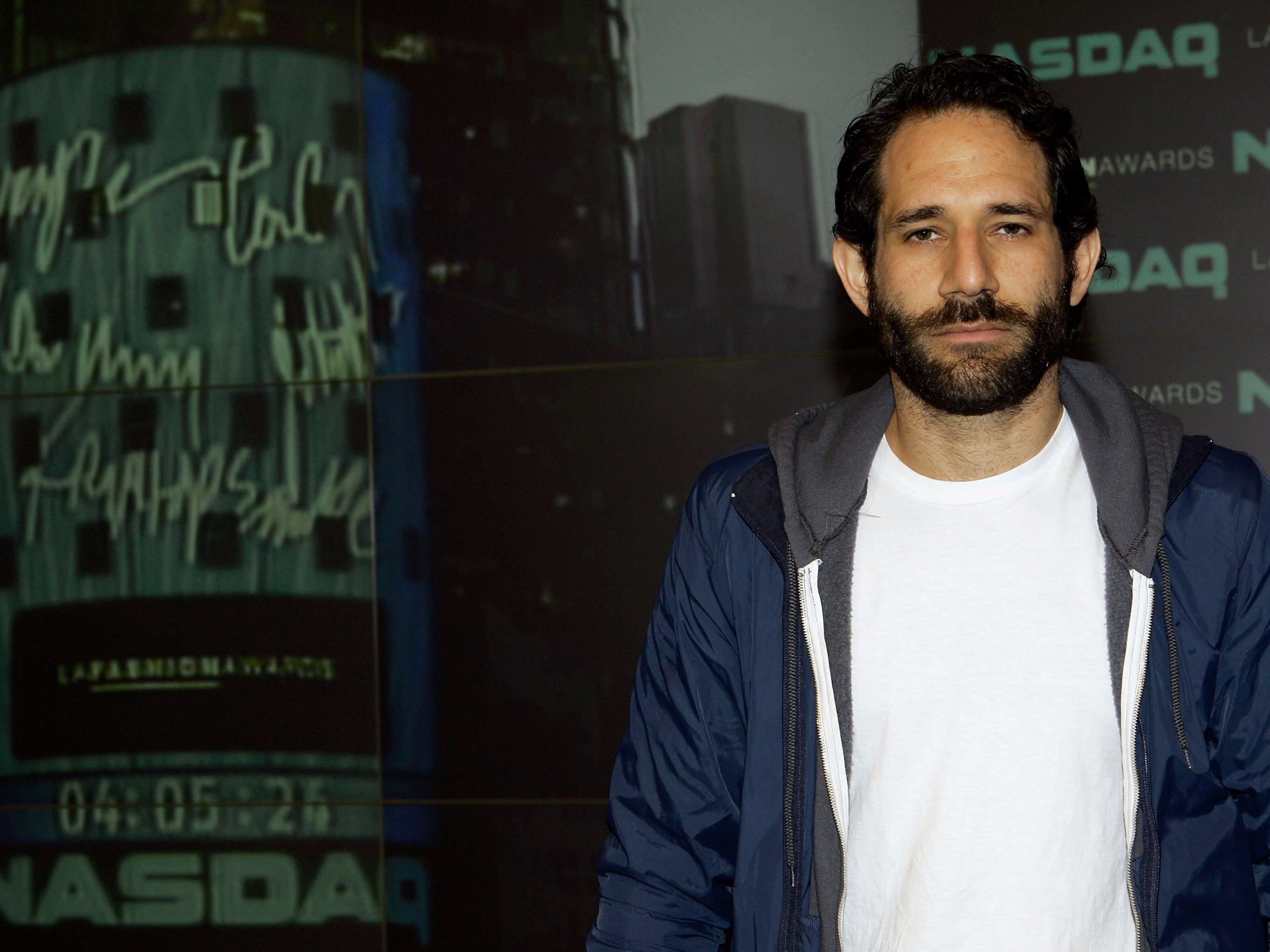 Fashion style Dov reportedly charney broke for lady