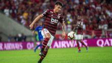 Thuler assina renovação de contrato com o Flamengo: 'Realizado com mais essa vitória aqui'