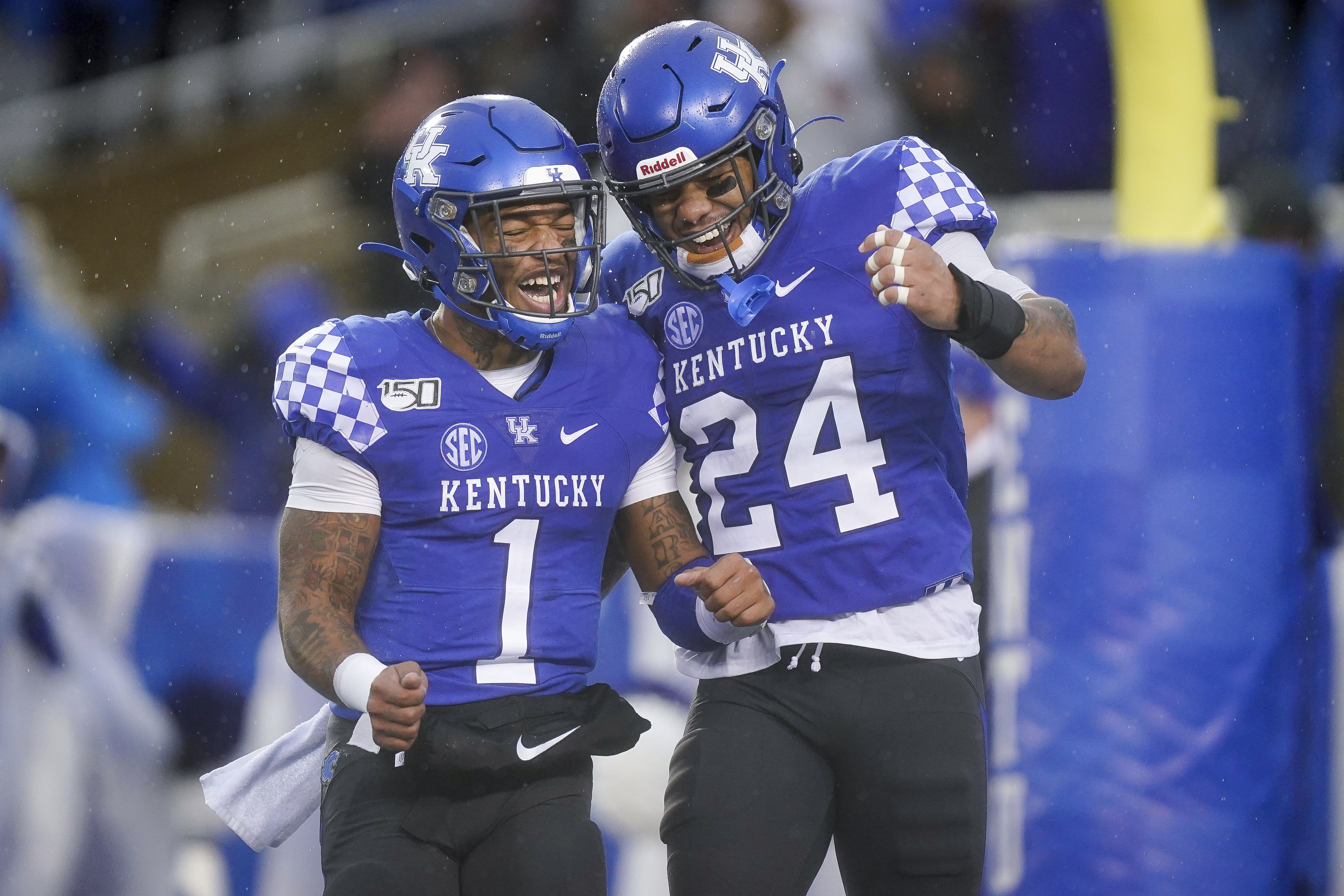STAT WATCH: Kentucky is closing in on 1st SEC rushing title