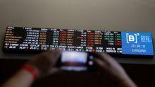 Ibovespa avança puxado por setor financeiro e ronda 97 mil pontos