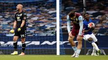 Theo Walcott wounds Aston Villa with last-gasp leveller for Everton