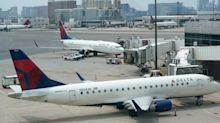 Delta to allow free basic economy flight changes as travelers struggle to reach agents