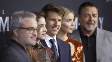 Enquanto Russell Crowe se derrete pelos filhos, Tom Cruise desconversa sobre Suri