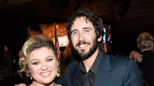 Watch Josh Groban & Kelly Clarkson Perform 'Phantom of the Opera' Duet for PBS Special