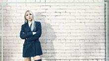 CL 自拍照被指清減不少,酸民:她的手依然像雞腳!
