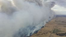 Out of control bushfire poses 'threat to lives'