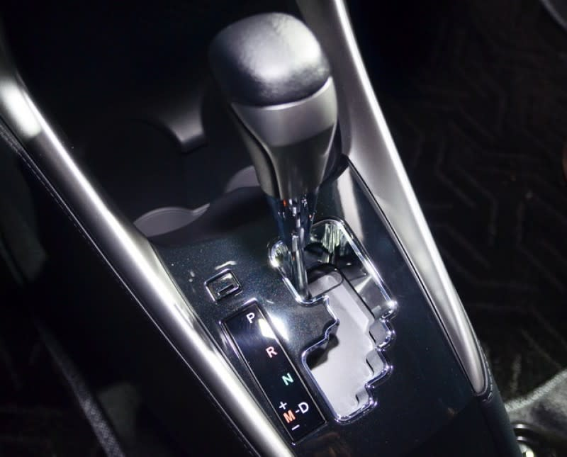 豪華型首度導入SPORT MODE運動駕駛模式,更為靈敏的油門反應多一份隨心所欲的駕馭樂趣