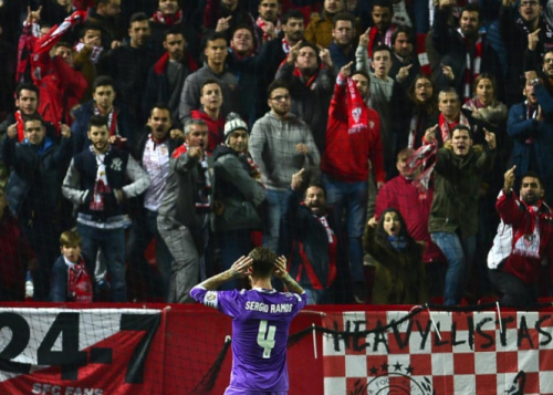 Sevilla é punido por ofensas da torcida a Sergio Ramos