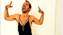 Las hilarantes fotos con las que Ángel Martín parodia las imágenes más sexys de las famosas