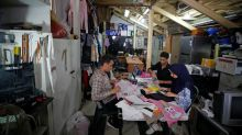 Young Gazans sell recycled cloth bags to challenge plastic